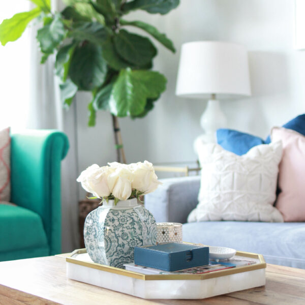 Apartment Living Room Home Tour | amberpizante.com